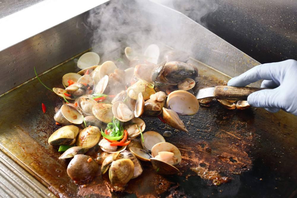 Café Rivoli - Regal Hongkong_OKiBook Hong Kong and Macau Restaurant Buffet booking 餐廳和自助餐預訂香港和澳門_「活海鮮.燒蠔自助晚餐」自助晚餐 / Live Seafood and Grilled Oysters Dinner Buffet