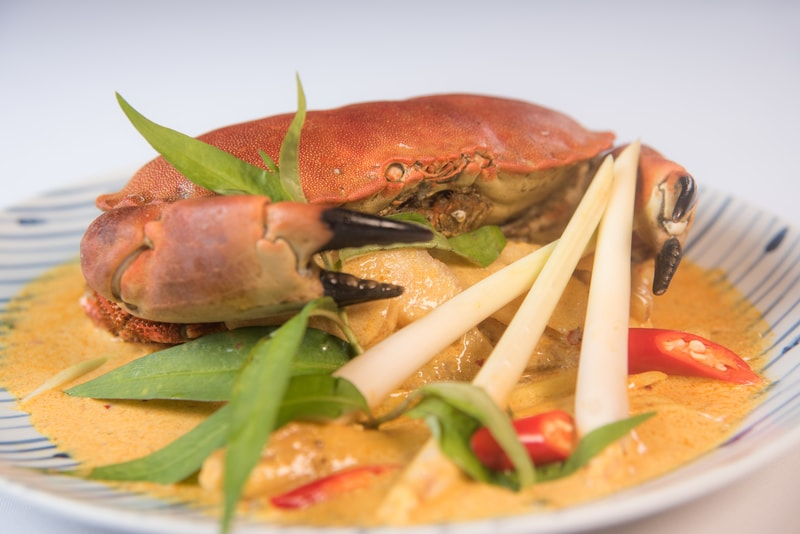 Wok-fried Edible Crab in Laksa Paste馬來喇沙炒麵包蟹Harbour Restaurant - The Harbourview - 灣景廳 - 灣景國際 OKiBook Hong Kong Restaurant Booking 1