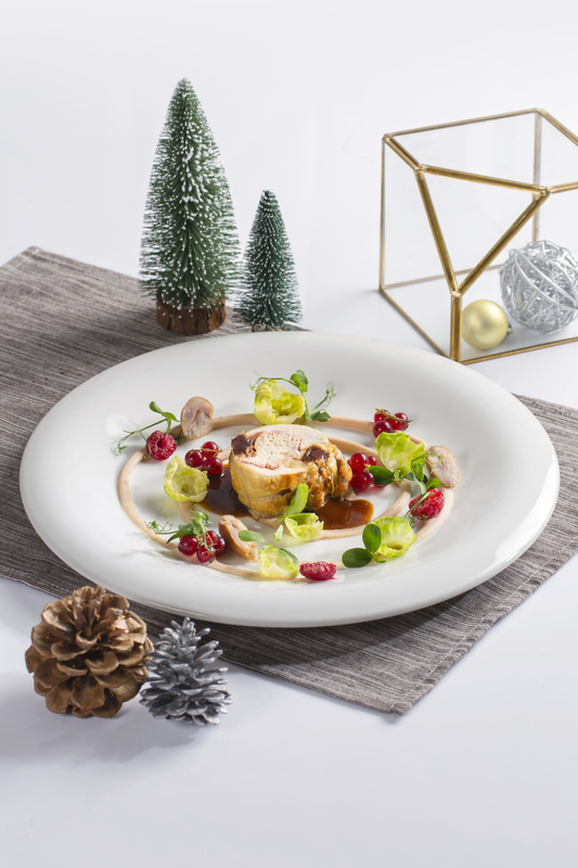 AVA Restaurant Slash Bar - Hotel Panorama 隆堡麗景酒店 - OKiBook Hong Kong Restaurant booking - Roasted Stuffed Xmas Capon Chestnut Mash Potato Brussels Sprouts _ Berry Jus