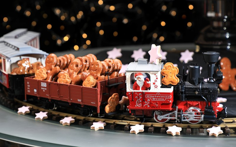 Yamm The Mira Hong Kong Xmas cookies train 2017- OKiBoook Hong Kong Restaurant Booking