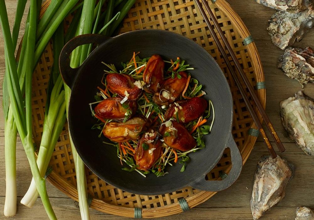 Loong Yuen Holiday Inn Golden Mile 龍苑中菜廳 - 金域假日酒店 - Oyster Claypot menu - OKiBook Hong Kong Restaurant Booking.jpg
