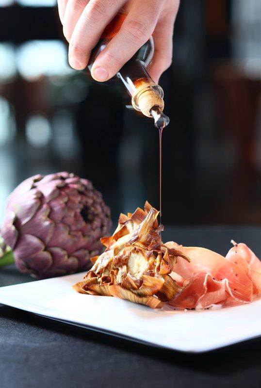 Cucina Marco Polo Hongkong Hotel 馬哥孛羅香港酒店 - OKiBook Hong Kong Restaurant Buffet booking 自助餐預訂香港 - deep_fried_artichoke_in_'giudea_style'_with_culatello_ham_and_12_years_aged balsamic vinigar