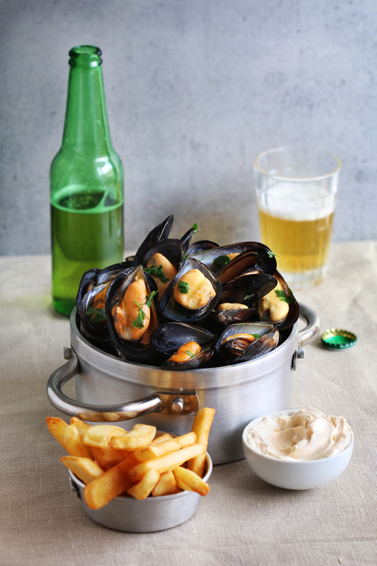 GREEN 唯港薈 Hotel ICON OKiBook Hong Kong Restaurant Buffet Booking 自助餐預訂香 - Mussels Beer and French Fries