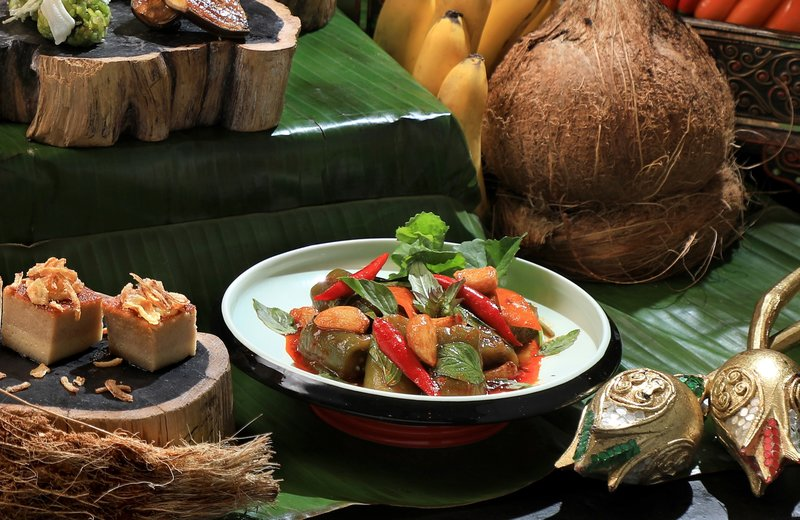 Yamm The Mira Hong Kong - OKiBook Hong Kong Restaurant Booking 自助餐預訂香 - songkran_spread_by_chef_danita_stir-fried_eggplants_with_thai_sweet_basil