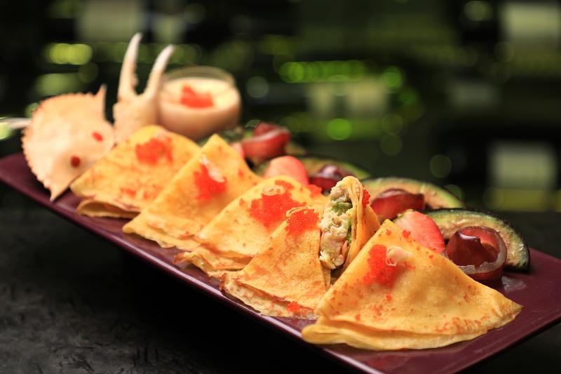 Yamm The Mira Hong Kong - OKiBook Hong Kong Restaurant Buffet booking 自助餐預訂香港 Crab Buffet_Avocado and Crab Crepes with Crab Roe Champagne Cream Sauce