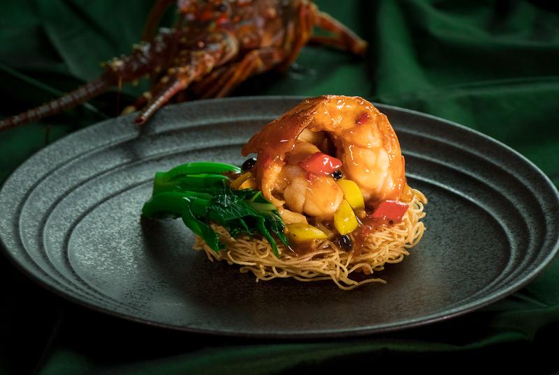 Above & Beyond Hotel ICON - 天外天中菜廳 - 唯港薈 OKiBook Hong Kong Restaurant Buffet Booking 自助餐預訂香- Champagne and Lobster 天外天」醉人香檳龍蝦配對 - Stir-fried Lobster with Crispy Noodles in Black Bean Sauce 2