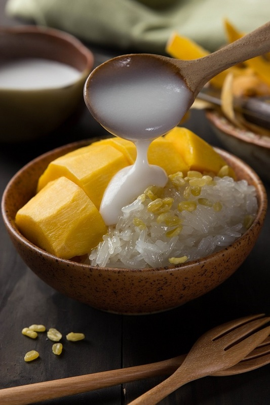 Cafe Rivoli Regal Hongkong hotel - 御花園咖啡室 - 富豪香港酒店 - OKiBook Hong Kong Restaurant Booking 自助餐預訂香 -  Thai Mango and Sticky Rice with Coconut Rice 泰式芒果椰汁糯米飯