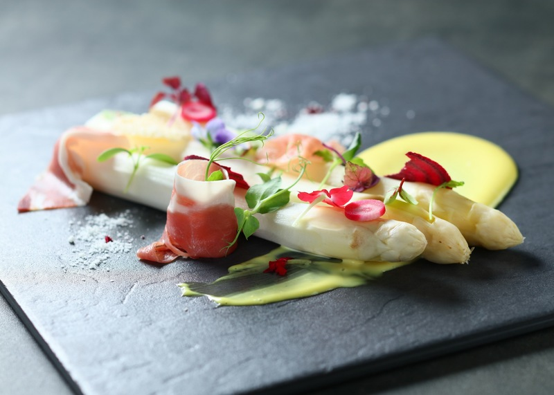 Cucina Marco Polo Hongkong Hotel 馬哥孛羅香港酒店 OKiBook Hong Kong Restaurant Booking 自助餐預訂香 Poached White Asparagus with Hollandaise Sauce and Parma Ham