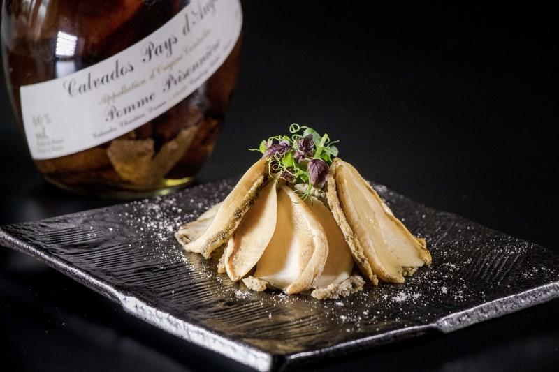 Above & Beyond Hotel ICON - 天外天中菜廳 - 唯港薈 OKiBook Hong Kong Restaurant Buffet Booking 自助餐預訂香 Braised Abalone with Tangerine Peel infused Calvados