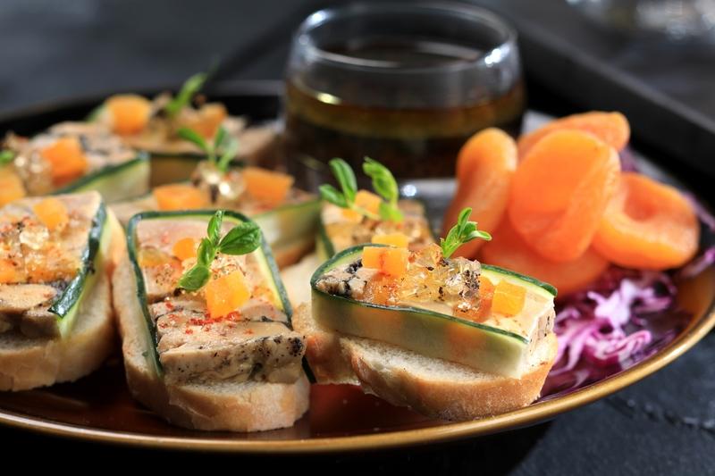 Yamm The Mira Hong Kong - OKiBook Hong Kong Restaurant Buffet booking 自助餐預訂香港 Abalone & Foie Gras Buffet_Foie Gras Terrine with Apricots and Truffle Vinegar_web