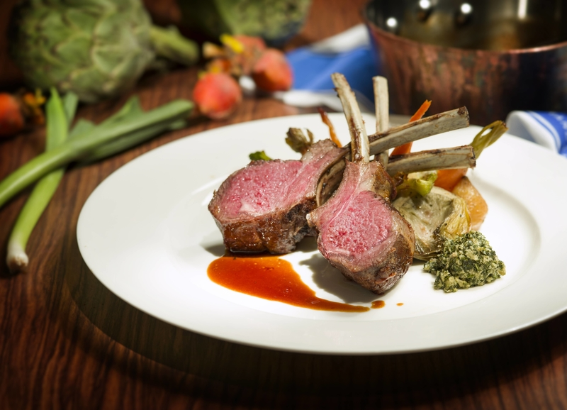 Theo Mistral by Theo Randall - InterContinental Grand Stanford - 海景嘉福洲際酒店 - Australian Rack of Lamb with Delicate Squash Puree, Italian Artichoke in Romana Style and Porto Sauce 烤羊鞍配燒雅枝竹、大蒜苗、茴香、甘筍、紅菜根及香草汁- OKiBook Hong Kong Restaurant Buffet booking 自助餐預訂香港