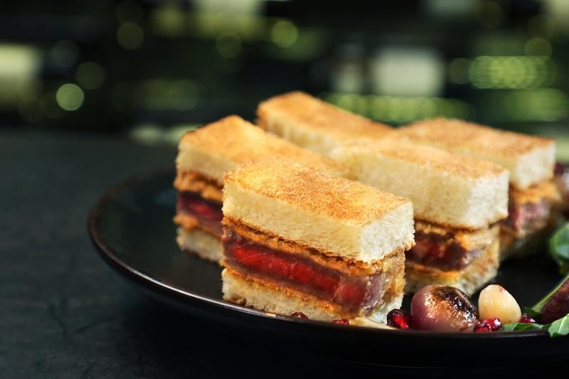 Yamm The Mira Hong Kong- OKiBook Hong Kong and Macau Restaurant Buffet booking 餐廳和自助餐預訂香港和澳門 - Beef Battle Buffet Beef Cutlet Sandwich