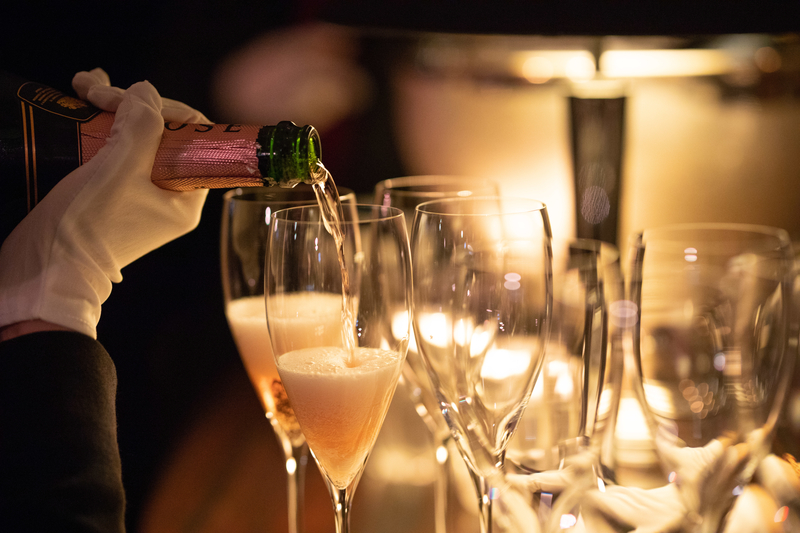 Champagne Bar Grand Hyatt Hong Kong 香檳吧 香港君悅酒店 OKiBook Hong Kong and Macau Restaurant Buffet booking 餐廳和自助餐預訂香港和澳門 Champagne Secret Stefan Leyshon 香檳之謎 4