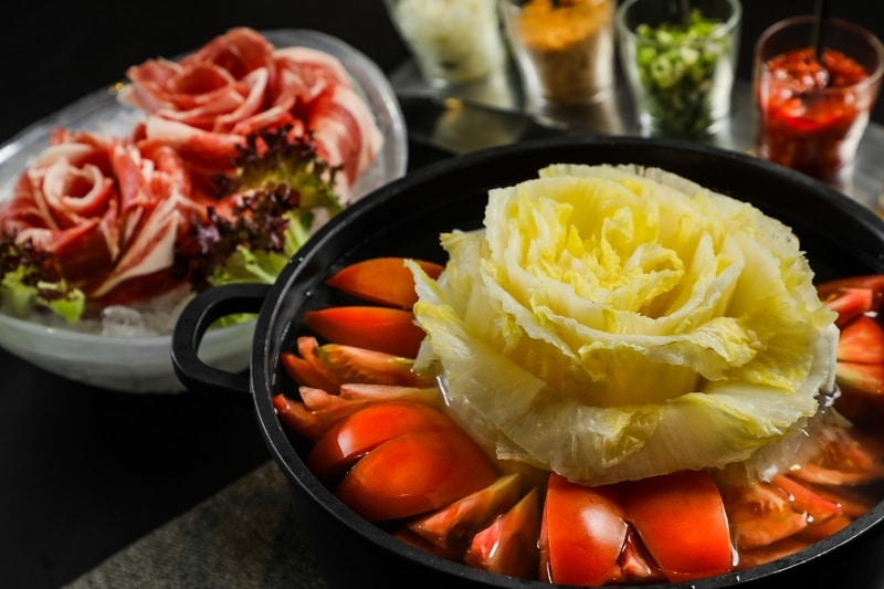 canton pot lodgewood by l'hotel mongkok 香港旺角薈賢居 - OKiBook Hong Kong and Macau  Restaurant Buffet booking 餐廳和自助餐預訂香港和澳門 - 花團錦簇湯鍋 White Cabbage Soup with Tomato -r