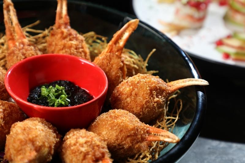 Yamm - The Mira Hong Kong  - OKiBook Hong Kong and Macau  Restaurant Buffet booking 餐廳和自助餐預訂香港和澳門 Crab Claw