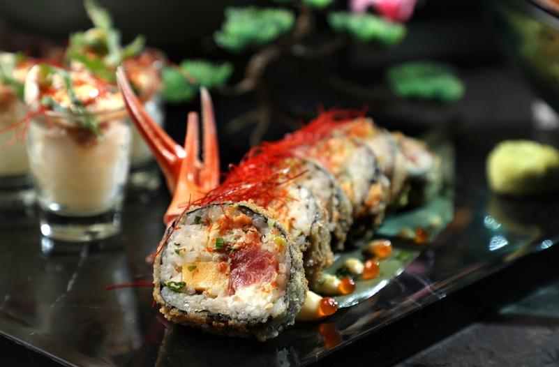 Yamm - The Mira Hong Kong  - OKiBook Hong Kong and Macau  Restaurant Buffet booking 餐廳和自助餐預訂香港和澳門 Crab Sushi