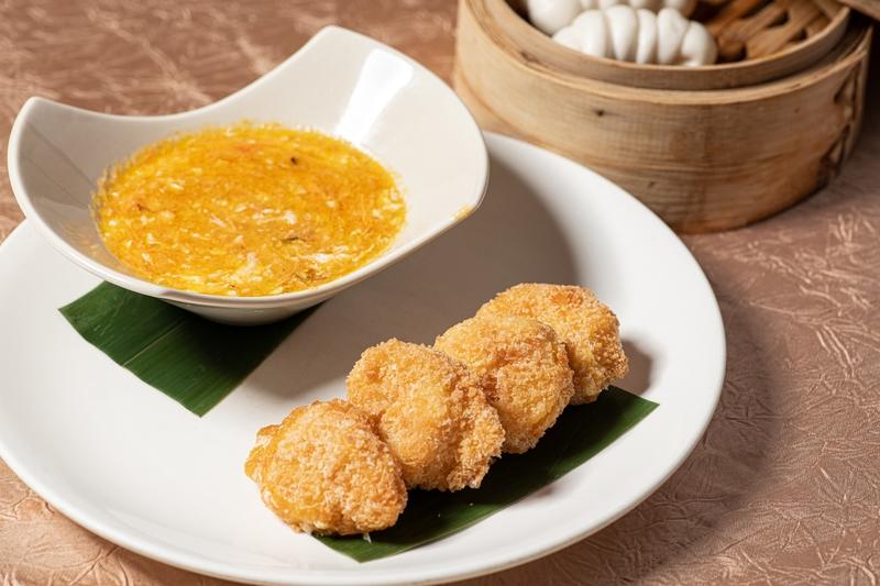 吉列大蝦球配蟹皇醬Deep-fried Prawn with Hairy Crab.jpg